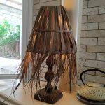 קורונה אהובתי - גוף תאורה מענפים דקים של דרצנה אוסטרלית