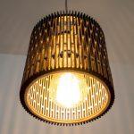 גופי תאורה מעוצבים - גוף תאורה מעץ צפצפה בעובי 8 מילימטר ובמידות 15 על 15 סנטימטר