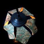 גופי תאורה מעוצבים - גוף תאורה פרח שעם על פרזול שולחני