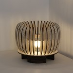 גופי תאורה מעוצבים - גוף תאורה שולחני מעץ דמוי תפוח - 20 על 28