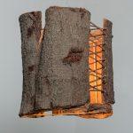 גוף תאורה תלוי מקליפת עץ אקליפטוס - שילוב חוט שעם - מולבש על בסיס פרזול- מידות 25 אורך 24 רוחב